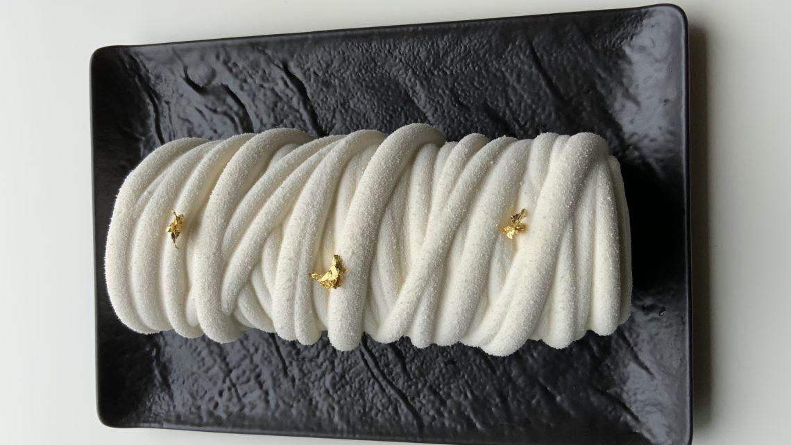 Buche vanille praliné LANA  collaboration avec silikomart